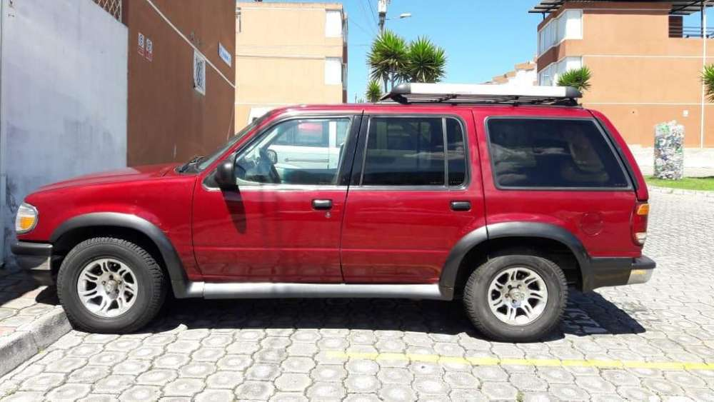Ford Explorer 1998 - 323000 km