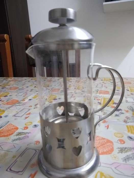 Cafetera Embolo Acero 350ml Escucho
