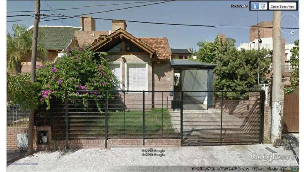 Pque. Chacabuco, Juramento 2600 - UD 180.000 - Casa en Venta