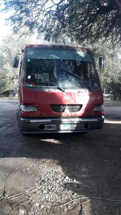 Vendo Mini Bus Modelo 2000
