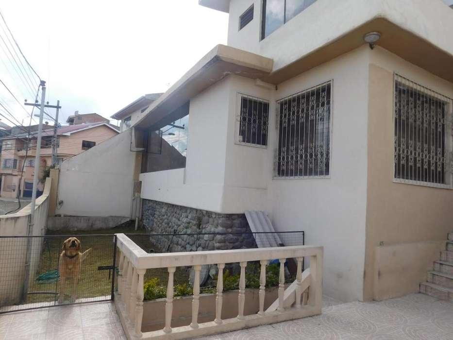 Venta Hermosa Casa bien Ubicada con vista a la ciudad, Sector bellavista San sebastian, Antenas de Telecuenca