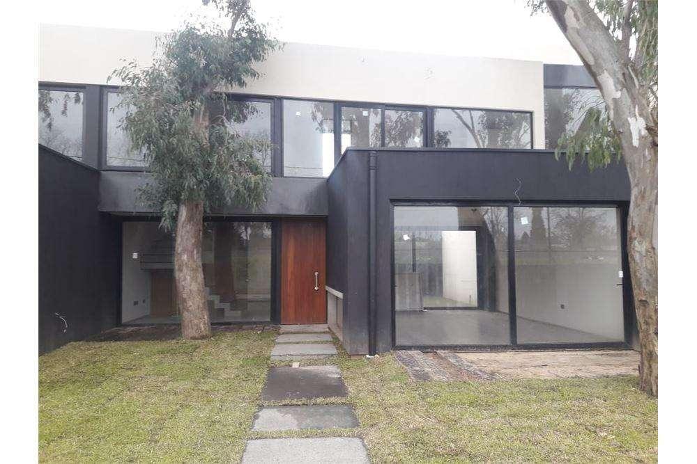 Casa, en venta City Bell, Quimillar.