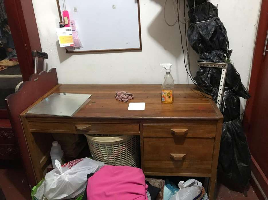 Se Vende <strong>escritorio</strong> en Madera