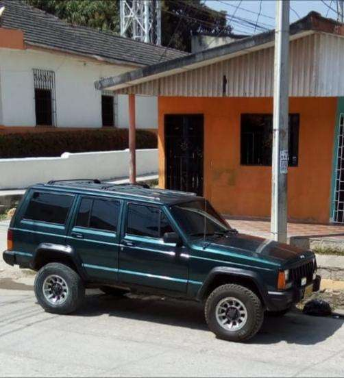 <strong>jeep</strong> Cherokee 1994 - 252000 km