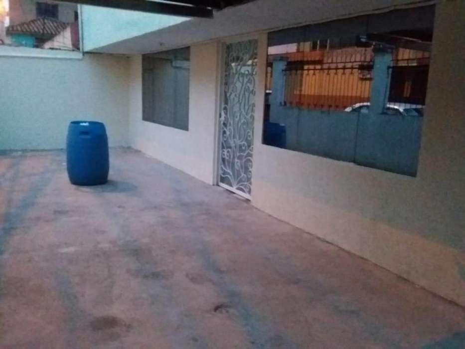 VENDO DEPARTAMENTO CENTRAL EN AMBATO 0983196635