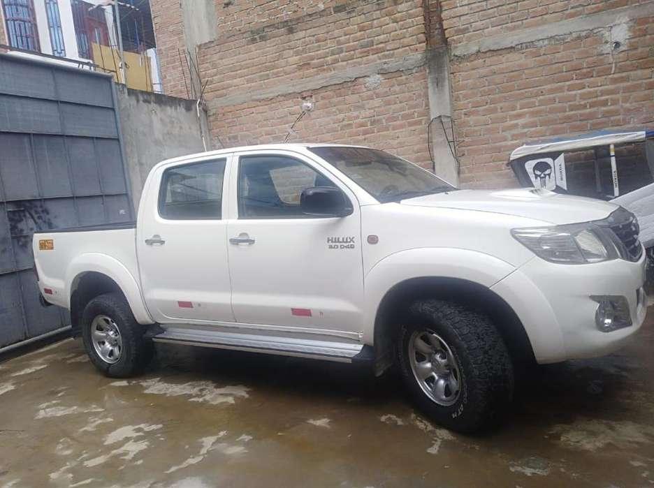 Toyota Hilux 2015 - 99000 km