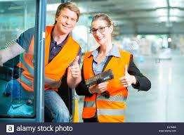 Auxiliares de Almacén para trabajar en autoservicios/ trabajo fijo