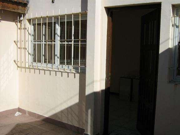 Departamento Tipo Casa en alquiler en Gerli Este