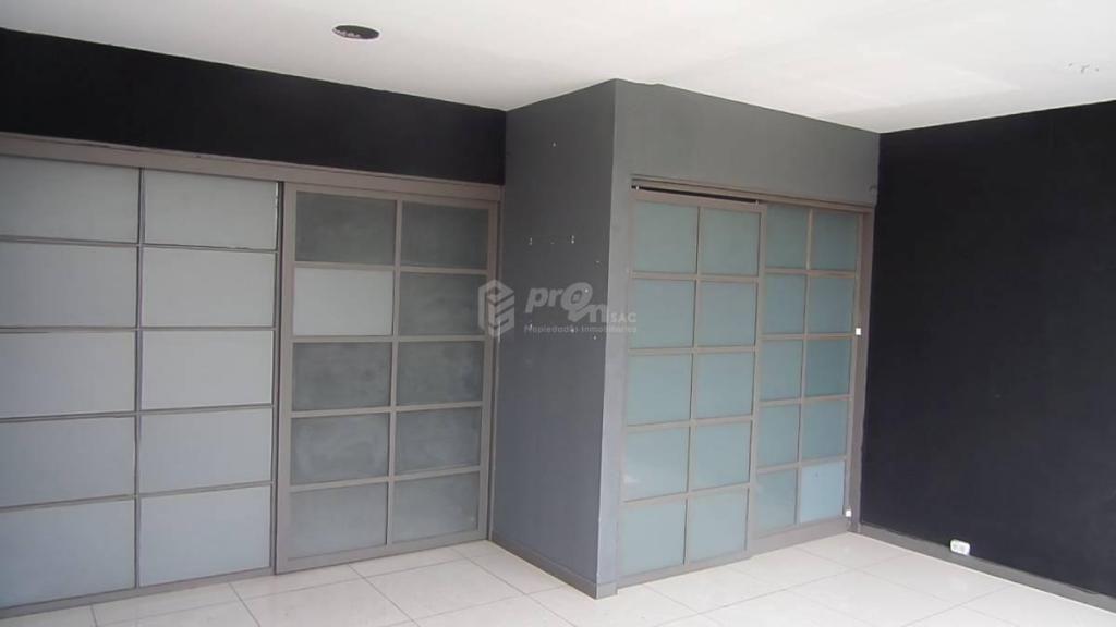 Alquiler de Oficina en Esquina Cerca Al Molina Plaza, Muy Bien ubicado