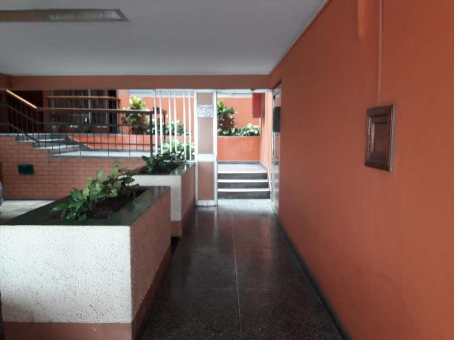 Departamento cómodo y buena ubicación en San Isidro