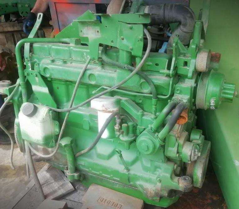 Motor JOHN DEERE 7600