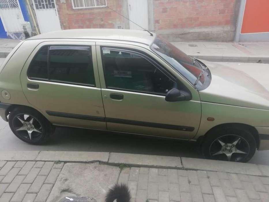 Renault Clio  1997 - 185000 km