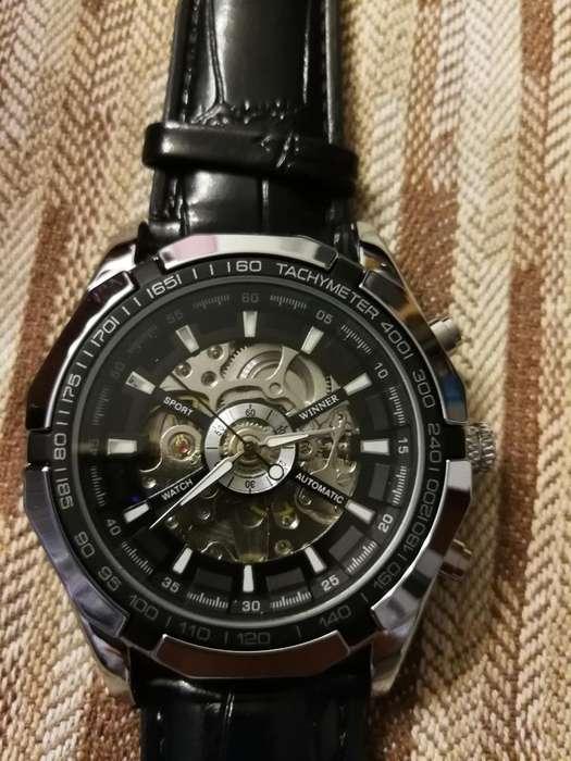 Reloj Armitron Skeleton