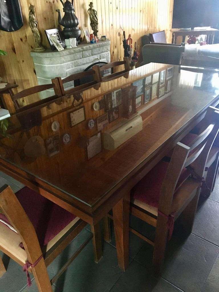 Mesa de Comedor Y 8 Sillas