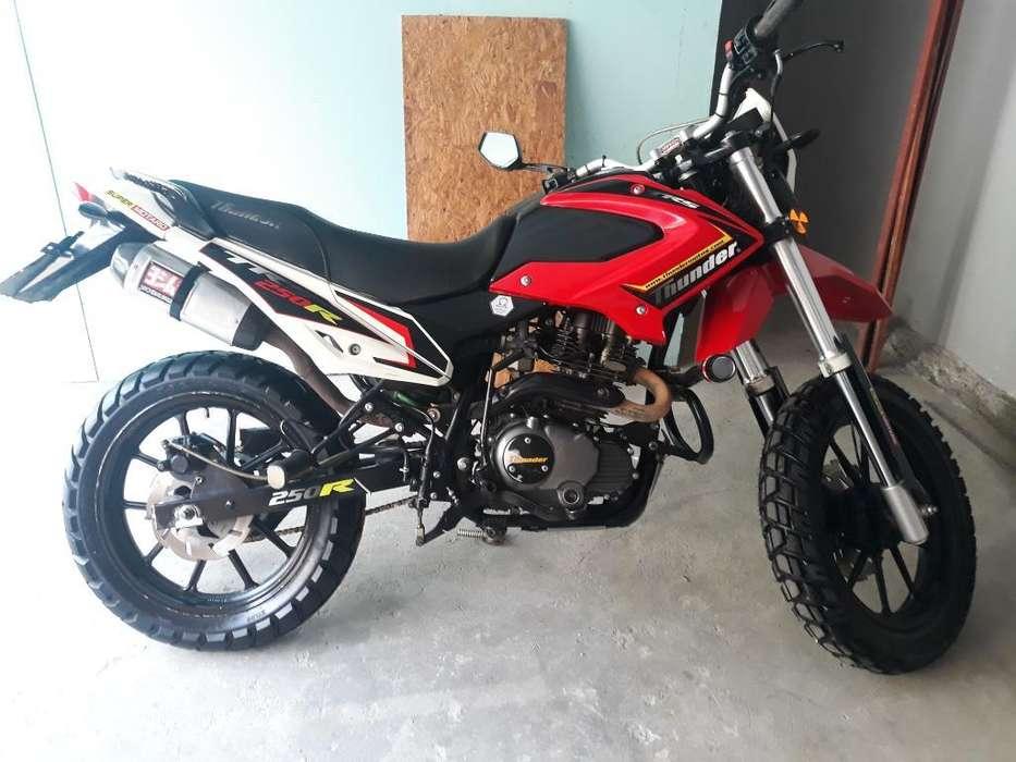 Vendo Moto Thunder 250