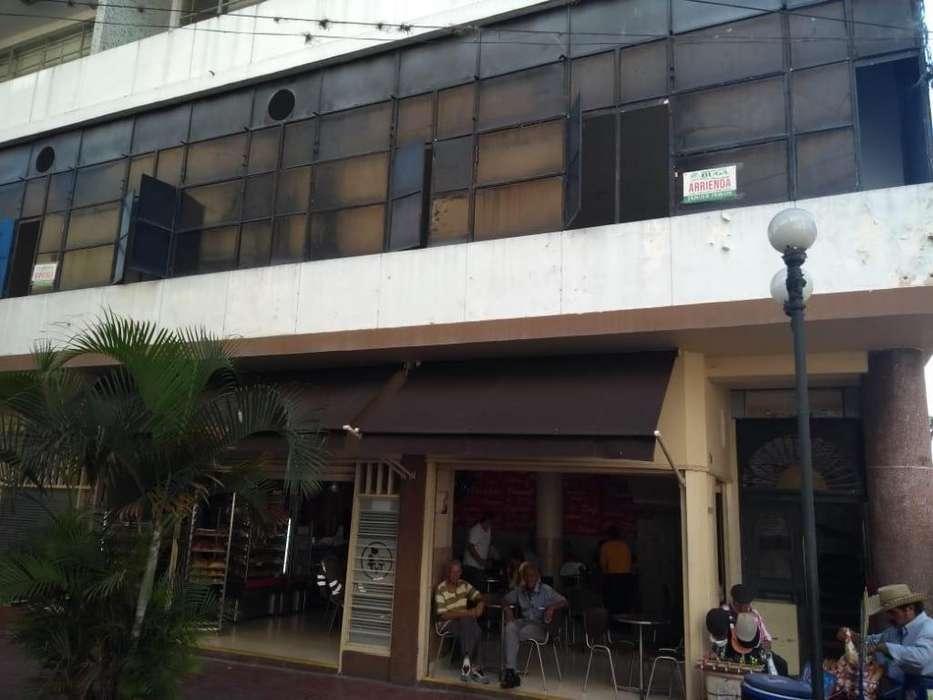 Se arrienda espacioso, ventilado e iluminado local comercial en Buga