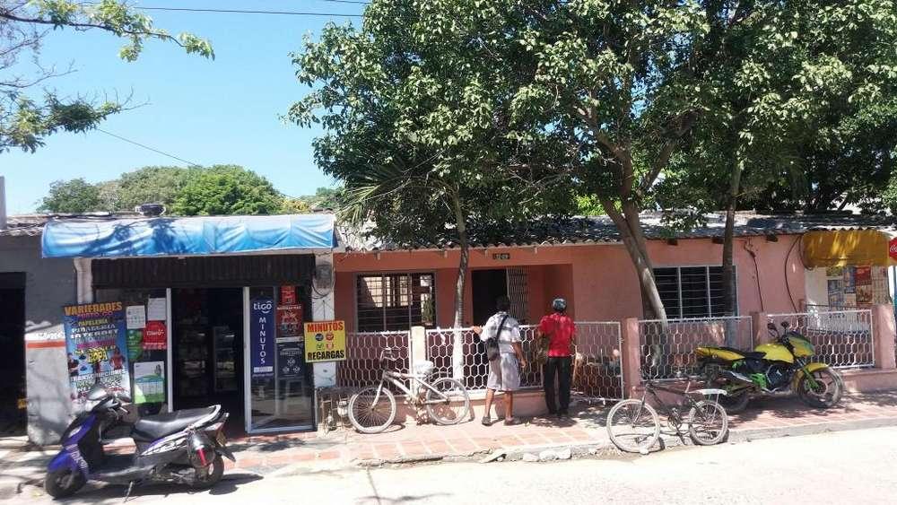 Casa con local en Gaira Sta Marta
