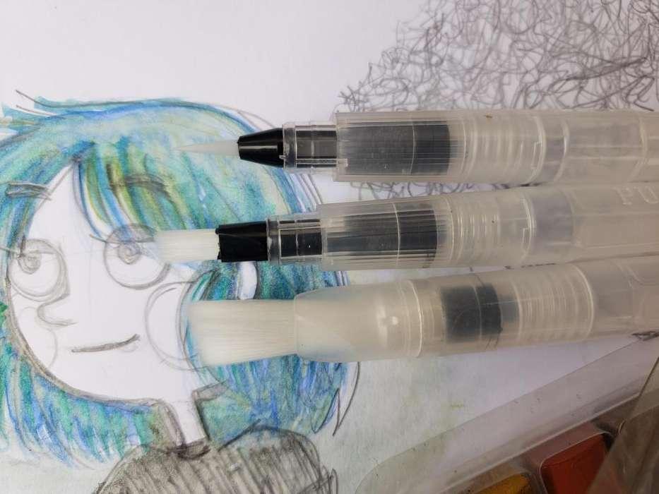 pinceles plumas acuarelas para dibujo efecto acuarela