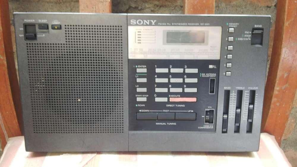 Vendo radio sony muiltibandas icf 2001,en buen estado y funcionamiento