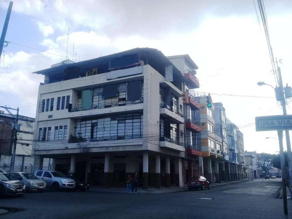 Venta centro Guayaquil edificio rentero 680m2 construccion con locales comerciales y departamentos