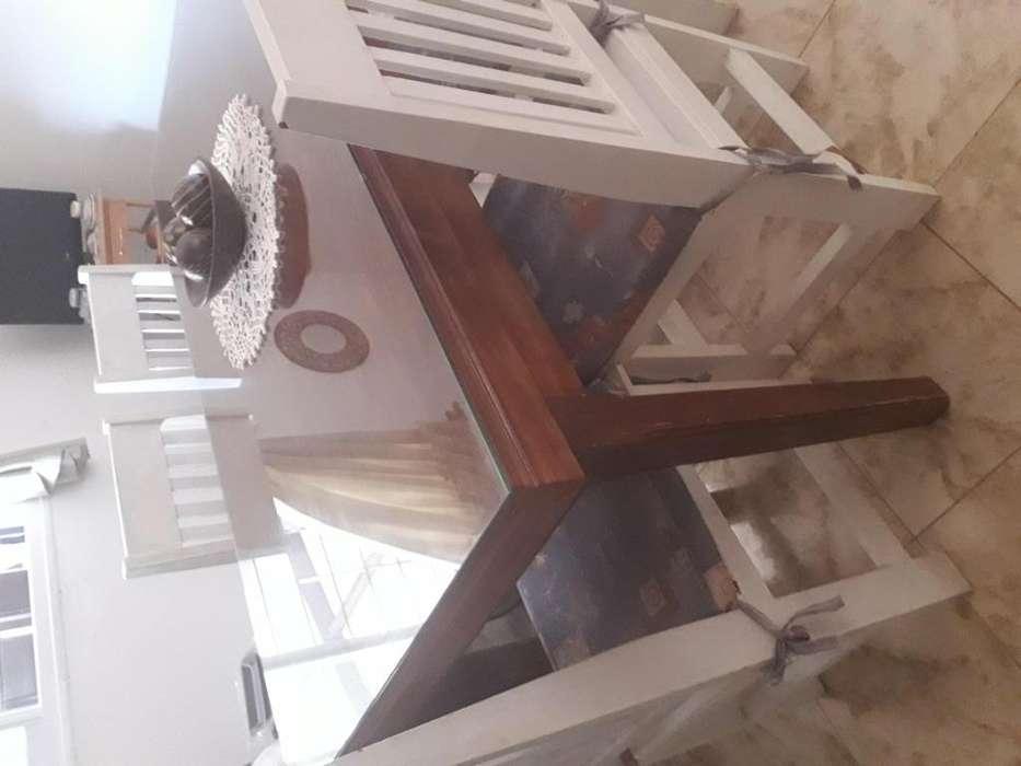 Vendo mesa rectangular de pino con vidrio y 6 <strong>silla</strong>s