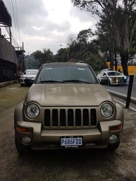 JEEP GRAND CHEROKEE 2003 - 12145 km