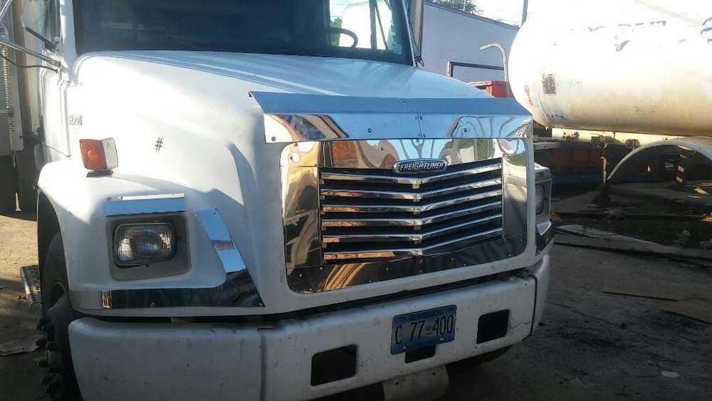 Camion Freightliner Solo en Chasis