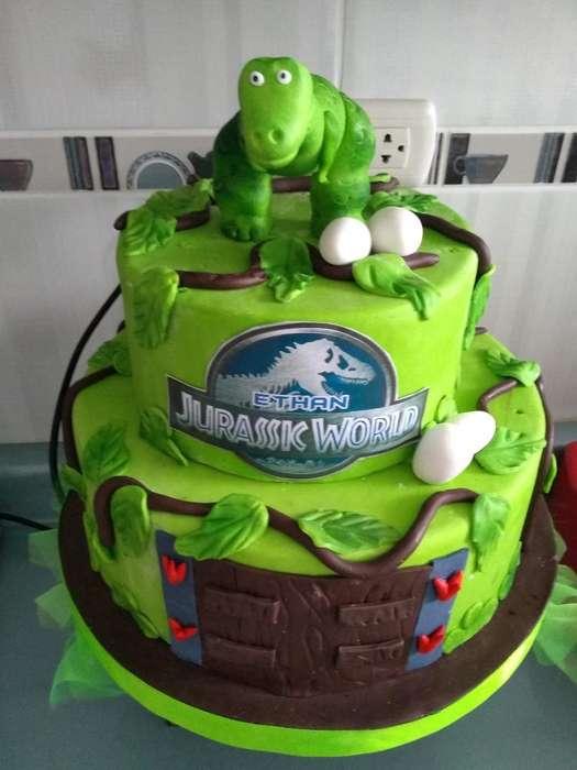 Torta Maqueta de Dinosaurios