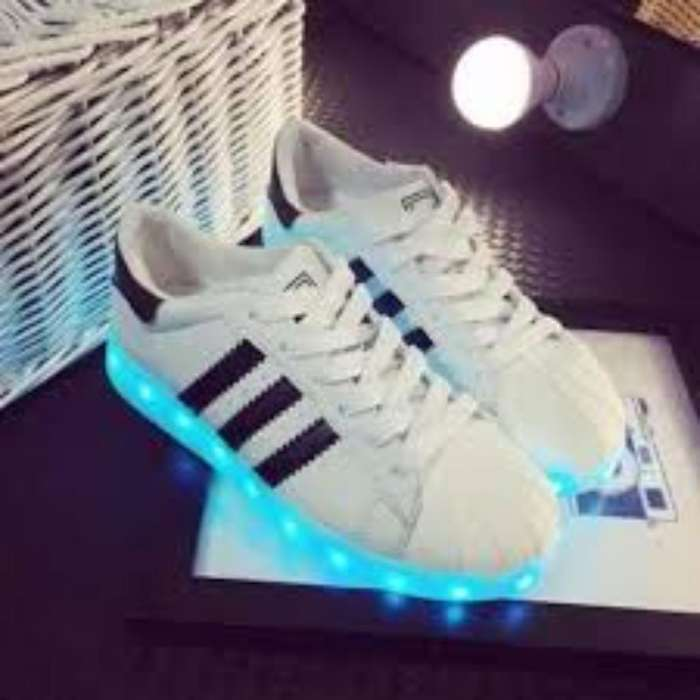 Vendo O Cambio Zapatos Led Talla 40