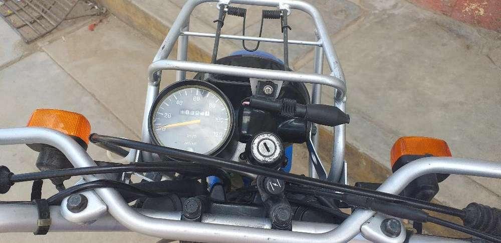 Moto Ag 2000 con 18 Mil Km