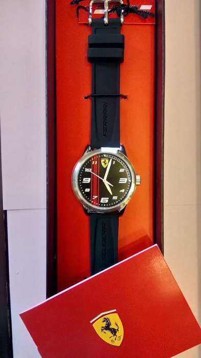 Vendo Reloj Ferrari