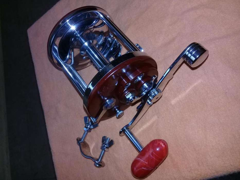 REEL PENN JIGMASTER 500 FISHING IMPECABLE MADE IN USA.
