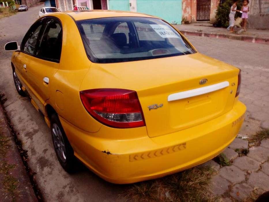 Kia Otro 2013 - 370000 km