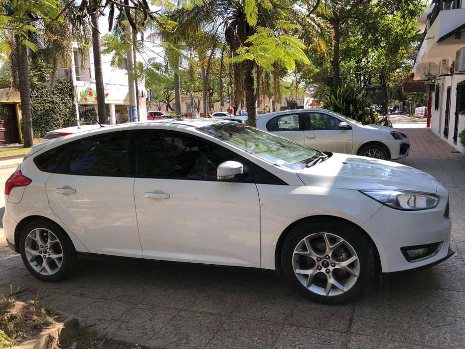 Ford Focus 2015 - 52000 km