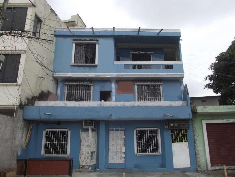 Casa rentera en venta, Av. 25 de Julio, sur de Gye - G. SOSA - K. BAQUERO