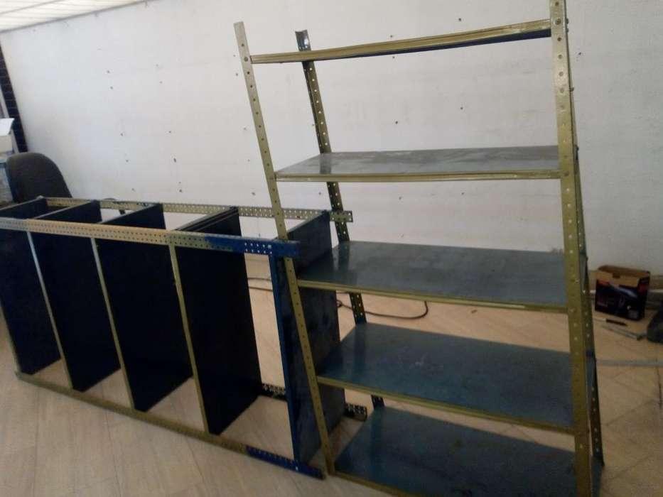 <strong>estantes</strong>