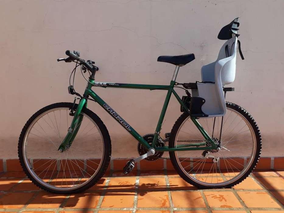 Bici super nueva con asiento para nio