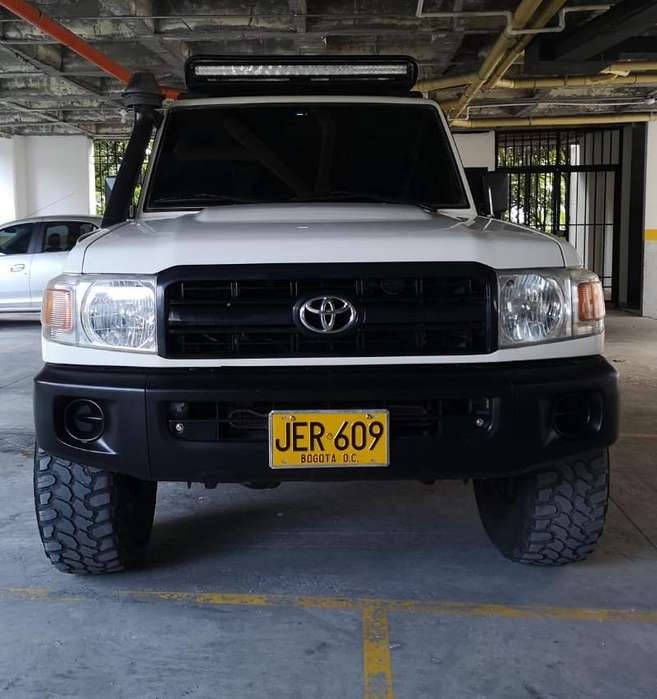 Toyota Land Cruiser 100 2009 - 110000 km
