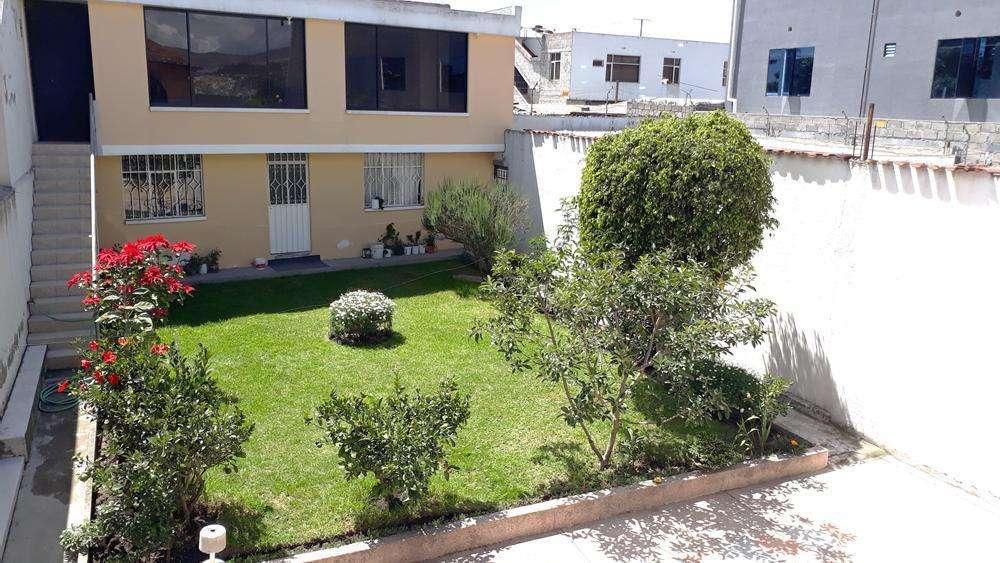 Venta de Casa Sector Calderon/ creca al Hospital Cruz Roja