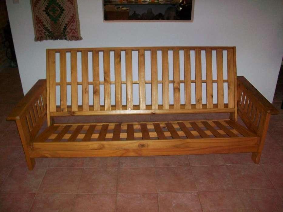 <strong>futon</strong> 3 cuerpos de pino barnizado