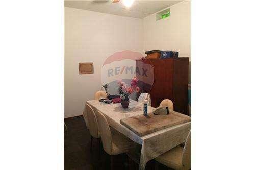 Casa PH al frente, 2 dormitorios garage Zona Sur