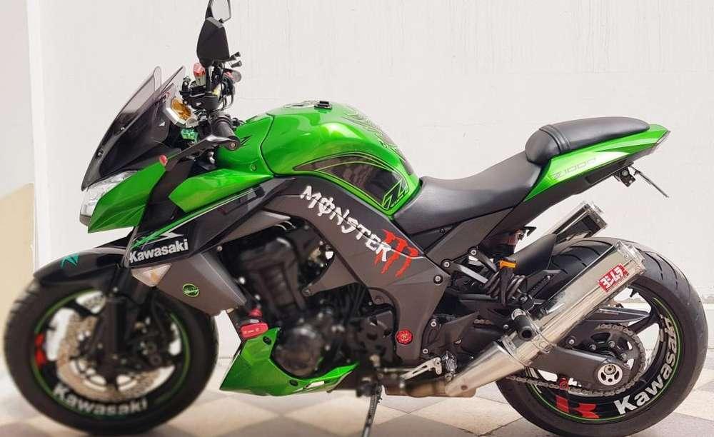 OCASION Kawasaki Z1000 2013 solo 12OOOKM full Extras