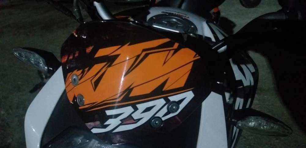 Vendo Moto Ktm Duke Abs Blanca.