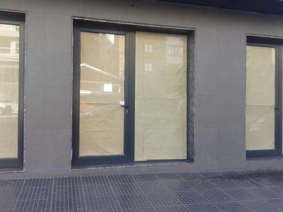 Alquiler Local 5 sobre en Bv San Juan 900 apto todos los rubros Cel 351 5300683