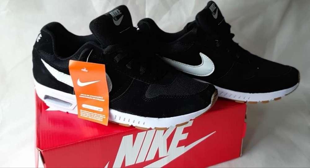 Nike Air Talle 40