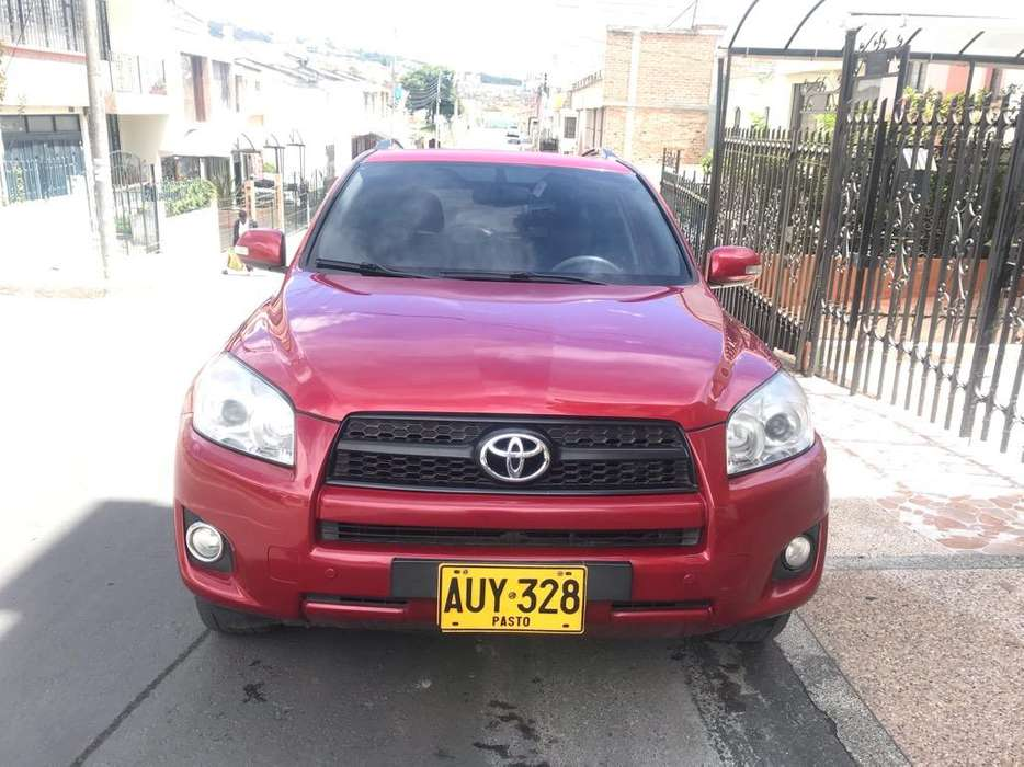 Toyota RAV4 2011 - 88000 km