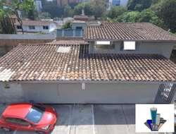 Casa comercial en la aguacatala Código 791912