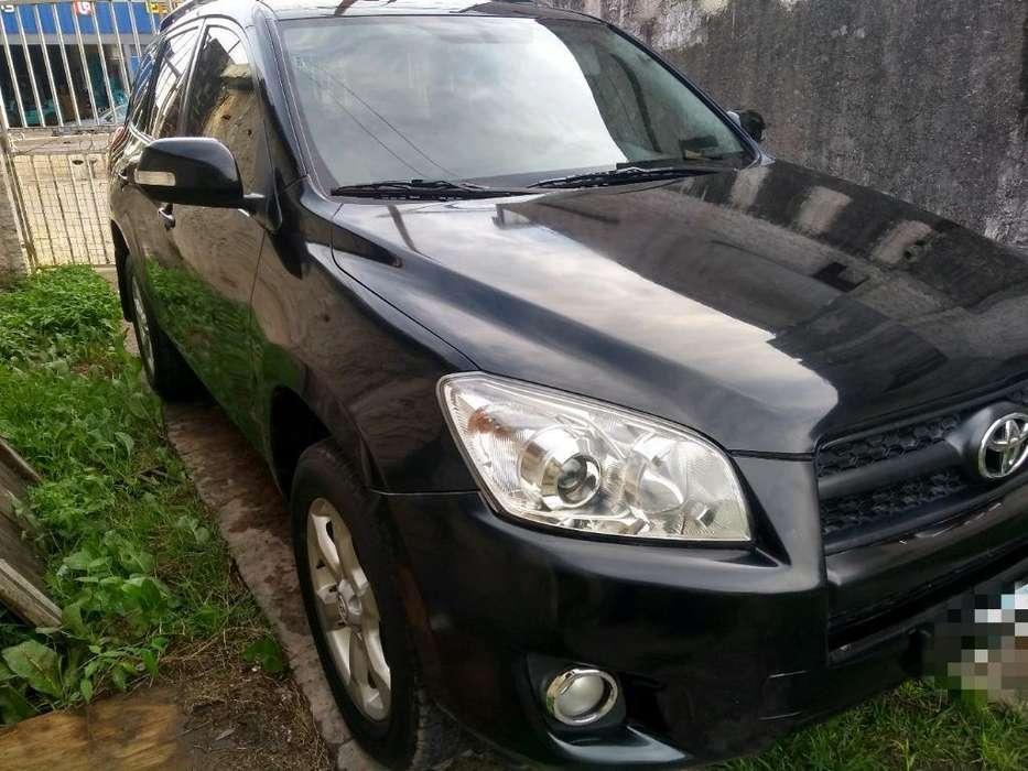 Toyota RAV4 2011 - 76000 km