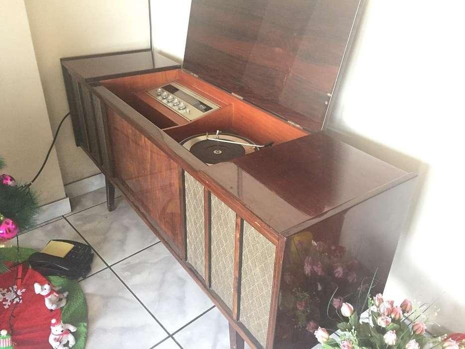 TOCADISCOS RADIO MUEBLE TORNAMESA RADIOLA FTA GARRARD 6300 VINTAGE