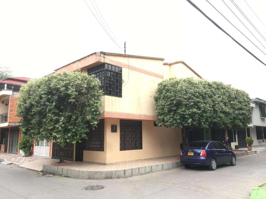 Arriendo Exelente Casa 2 pisos Los Andes